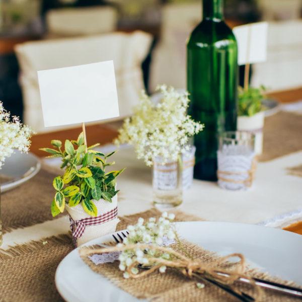 banquet-mariage-decorations-mariage-rustique_215842-1836